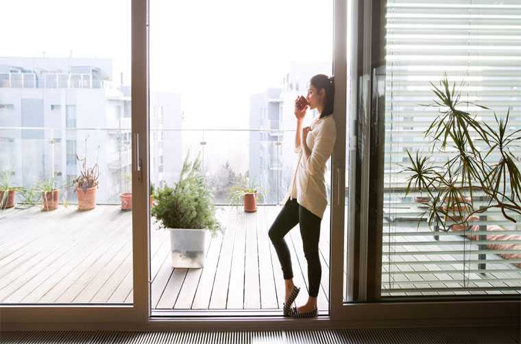 Blinds helps with privacy and restrict exposure to access light.