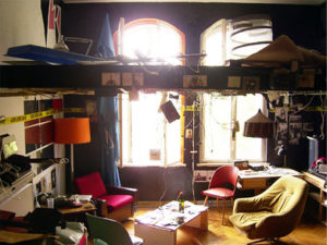 How to Organize Hostel Room Easily